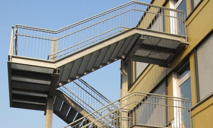 Treppenturm_Notausgang_Kita_Schule